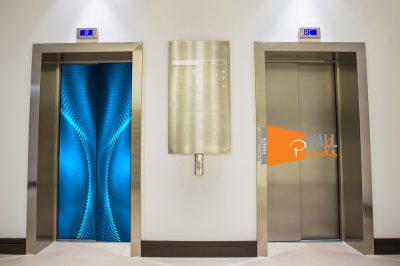 Porte-ascensore-colorata